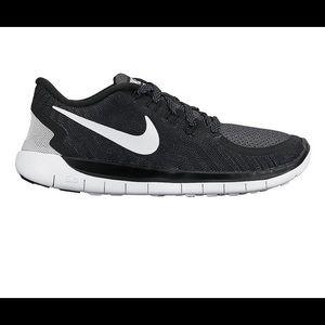 Black Nike free 5.0